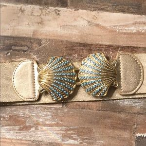 Lily Pulitzer shell belt